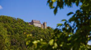 Außenansicht Schloss Weitenburg vom Tal aus, (c) Schloss Weitenburg, Starzach