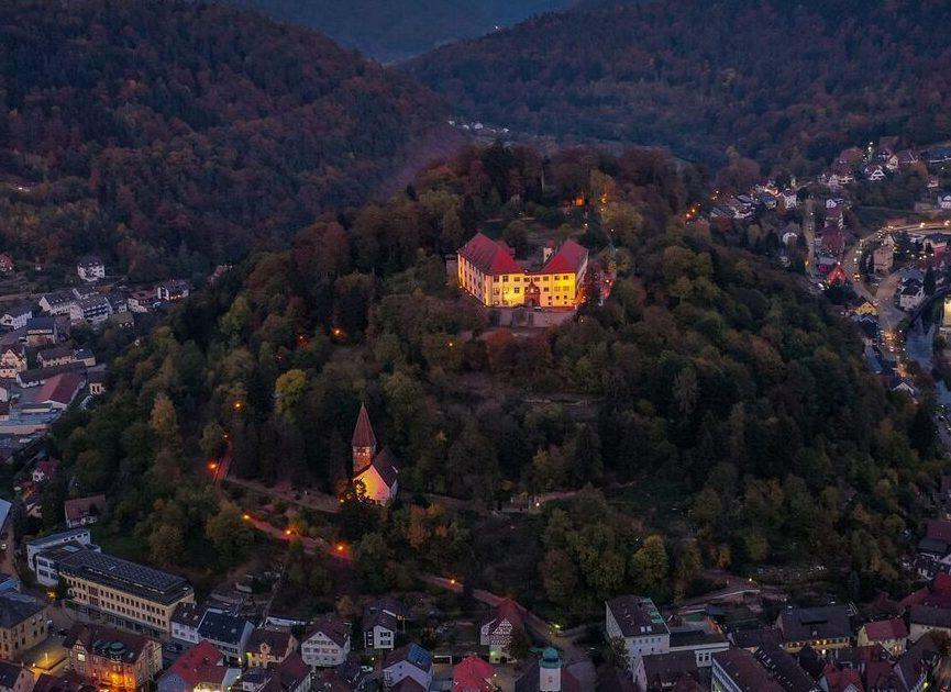 Schloss Neuenbürg bei Nacht, (c) Schloss Neuenbürg